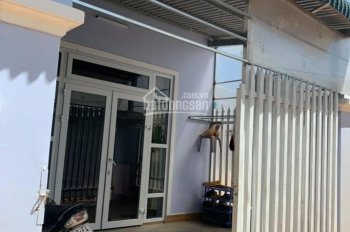 Cần tiền bán gấp nhà đường Hồ Xuân Hương, Đà Lạt, giá 2.7 tỷ