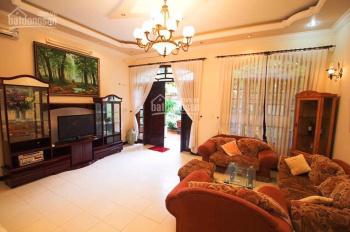 Cho thuê nhà HXT thoáng mát, khu vực ngay trung tâm 7/1A Nguyễn Trãi, Quận 1