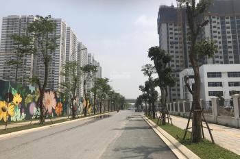 Chính chủ bán căn góc đẹp tầng 24 (2410), 2 PN + 1, 02 WC, DT tim tường 70m2, nhận nhà 07/2020