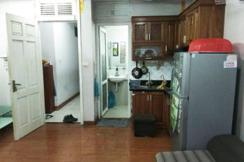 Căn hộ 50m2, 1PN đầy đủ nội thất, thang máy, giá 4 tr/tháng. LH: 0914598222