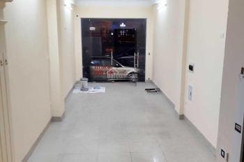 Nhà gần mặt đường 3 tầng 35m2 đường 6m phố Hồng Mai, giá 8tr/tháng, LH: 0946913368