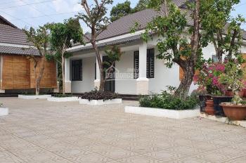 Bán biệt thự nhà vườn, đường Đỗ Văn Thi, xã Hiệp Hòa, Biên Hòa, giá 32,5 tỷ, DT: 4100m2, 0908209462