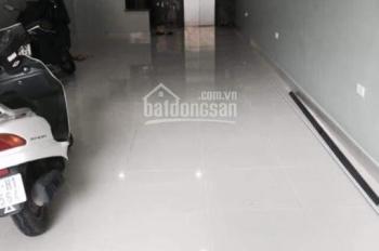 Cho thuê nhà mặt phố Lý Nam Đế - Hoàn Kiếm: Diện tích 25m2 x 4 tầng, mặt tiền 4m, nhà đẹp KD tốt
