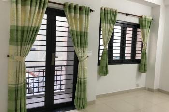 Cho thuê nhà MỚI nguyên căn hẻm xe hơi Phạm Văn Bạch, 5.5x15.5, 4PN, full nội thất, 15 triệu/tháng