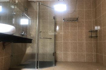 Cho thuê nhà riêng 4 tầng, ngõ 151 Hoàng Hoa Thám, 4PN, 1PN, phòng bếp riêng biệt 13,5tr/tháng