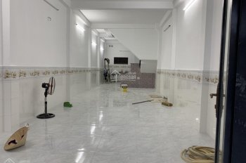 Nhà mặt tiền Phạm Văn Bạch, Phường 15, Tân Bình, 4x18m, 1 lầu, đường 23m