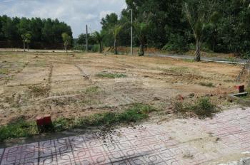 Bán đất MTĐ Bưng Ông Thoàn, P. Phú Hữu, Quận 9, giá: 1.4/nền, SHR, LH: 0933619549 (Lan Chi)