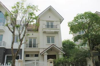 Tôi cần bán căn biệt thự song lập 285m2 tại khu đô thị Vinhomes Riverside, liên hệ: 0906288866