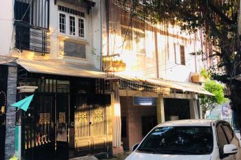 Chính chủ bán nhà 2 lầu, 6PN, sân thượng hẻm xe hơi 125/150 Nguyễn Thị Tần, Quận 8