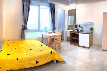 Cho thuê căn hộ dịch vụ 1 phòng ngủ đường Phan Văn Hân, Quận Bình Thạnh, DT 28m2, giá 7,5 triệu