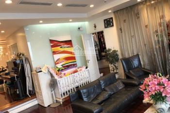 Chính chủ bán căn hộ 3 phòng ngủ tầng cao view Vườn Hoa, Vincom Bà Triệu