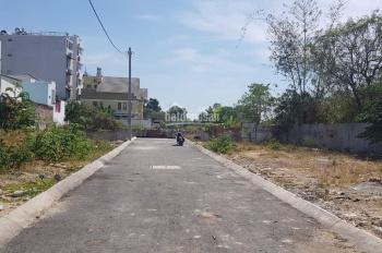 Bán đất 50,7m2, giá 3,65 tỷ, đường Lê Văn Thịnh rẻ vào, Quận 2. LH: 0902126677