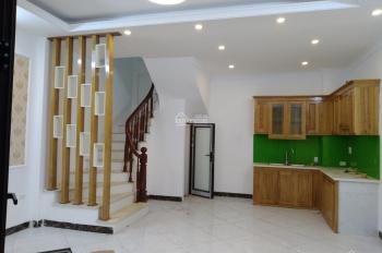 Bán nhà DT 48m2 * 5T xây mới, ngõ 184 Trần Khát Chân, 5 phòng ngủ, ô tô cách nhà 15m