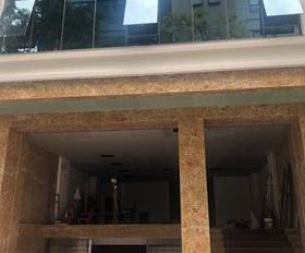 Chính chủ bán tòa văn phòng 8 tầng mặt vườn hoa Dịch Vọng Hậu. DT 165m2, MT 10m, giá 54 tỷ