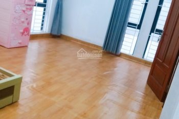 Cho thuê phòng 25m2 của nhà biệt thự mỹ đình  Giá : 2.5 tr