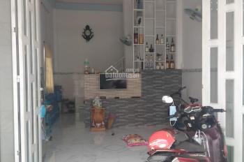 Cần bán nhà 1L đúc thật 2PN, 2WC, sau nhà có 3 phòng trọ DT 5x21, thuộc xã Đức Hòa Hạ, Đức Hòa LA