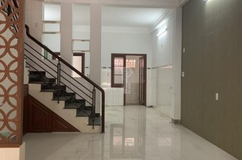 Cần cho thuê nhà nguyên căn 3 tầng mặt tiền số 45 Nguyễn Quang Bích gần chợ, trường học