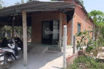 Chủ kẹt tiền cần bán căn nhà cấp 4 giá rẻ mục. Diện tích 7 x 22m (50 m2 thổ cư)