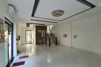 Cho thuê căn góc 8x12m2, 4 tầng có thang máy Hà Đô Centrosa Garden