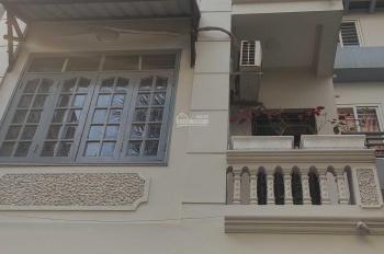 Cho thuê nhà phố Đào Tấn, Ba Đình S = 50m2 x 4 tầng