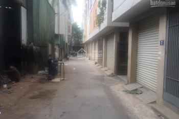 Cần bán gấp mảnh đất 31,6m2 Tư Đình, ô tô sát nhà