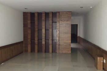 Cần cho thuê toà nhà văn phòng 4 tầng có hầm để xe đường 30/4 - Quận Hải Châu - Đà Nẵng