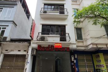Cho thuê nhà mặt phố Đốc Ngữ, Ba Đình, HN. DT 70m2*5 tầng, mặt tiền 5m, giá 42 triệu/tháng