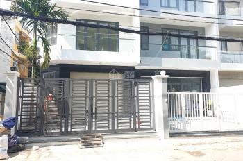 Cho thuê nhà hẻm xe tải 10m (DT: 6 x 14m, 3 lầu + sân thượng) 62 Lâm Văn Bền, P. Tân Kiểng, Q7