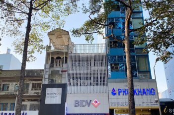 Bán nhà mặt tiền Phan Đăng Lưu, Phú Nhuận. DT: 4x17m, 3 lầu (HĐ thuê 45tr), giá bán 22 tỷ TL