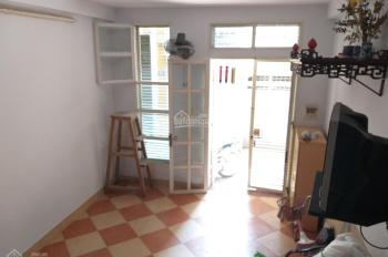 Chính chủ cho thuê nhà mặt ngõ đường Lạc Long Quân, Q. Tây Hồ. DT 30m2 x 3 tầng, giá 7,5 tr/th