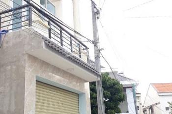 Nhà 1 lầu 1 trệt ngay UBND Phường Tân Phong, hẻm xe hơi, sổ hồng riêng thổ cư 100%, giá chỉ 2,1 tỷ