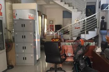 Nhà 2 tầng mặt tiền Phùng Chí Kiên