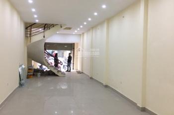 Cho thuê nhà MP Hồng Hà làm VP, kho xưởng. DT: 130m2 x 4 tầng, MT 6,5m, nhà đẹp, thông sàn
