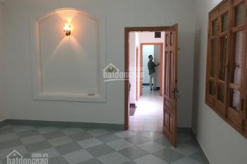 Cho thuê nhà ngõ 97 Văn Cao, diện tích 55m2 x 4 tầng, ngõ rộng rãi ô tô, giá 15 tr/th LH 0932326975