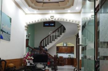 Nhà 4 tầng độc lập sân cổng riêng trong khu cao cấp phố Mê Linh
