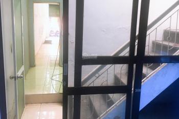 Cho thuê nhà 2 tầng mặt đường Lê Lợi