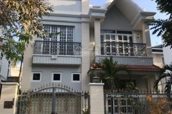 Bán biệt thự phố vườn Mỹ Giang ngay chân cầu Ánh Sao Phú Mỹ Hưng, quận 7 LH 0912183060