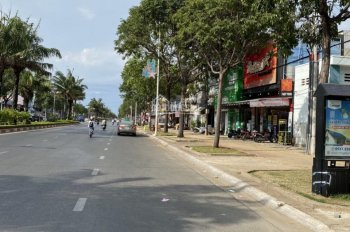 Bán nhà lầu mặt tiền đường Thống Nhất, phường 8, TP Vũng Tàu, ngang 7m, giá 21 tỷ