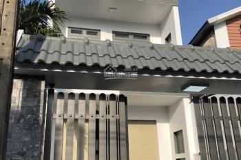 Cần bán gấp căn nhà mặt tiền ĐHT 06, Tân Hưng Thuận, Q12 có DT: 4,4m x 19m, 1 lầu = 5,25 tỷ