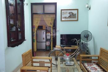 Nhà 50m2 sân cổng riêng phố Nguyễn Đức Cảnh, 3 bước chân ra hồ Tam Bạc