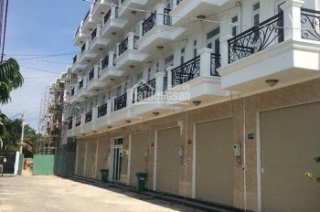 Bán nhà 3 lầu, mặt tiền chợ, đường 8m, diện tích: 4*14m. Đã có sổ hồng riêng, hỗ trợ trả góp