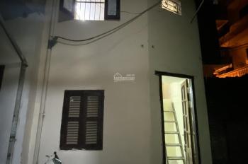 Cho thuê nhà riêng biệt đầy đủ tiện ích phố Khâm Thiên, gần trung tâm, chợ, trường học