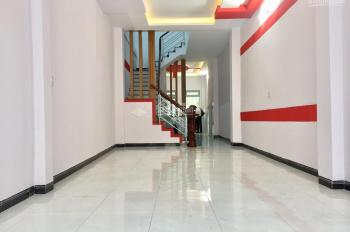 Cho thuê nhà 17, Hoa Sứ, đối diện siêu thị Phường 2 Quận Phú Nhuận, LH: 0936193101