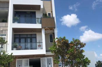 Bán gấp nhà mùa covid nhà 3 tầng- có 5 căn hộ cho thuê - full nội Thất - gần công viên giá 4,15 tỷ