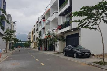 Bán gấp nhà mùa covid nhà 3 tầng- có 5 căn hộ cho thuê - full nội thất - gần công viên - 4,15 tỷ