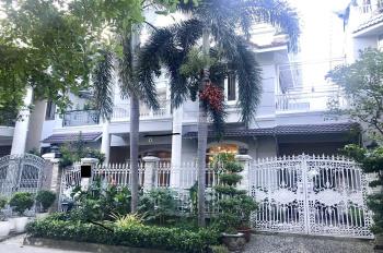 CC bán biệt thự phố vườn Phú Mỹ Hưng Q7 - 11x18m - 30 tỷ - 0938.790.614