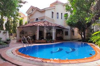Cho thuê 2 căn Villas hồ bơi và sân vườn giá rẻ tại Thảo Điền