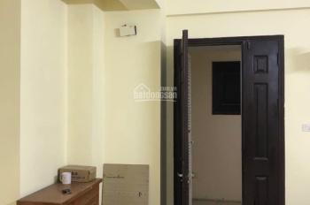 Chính chủ cần bán căn hộ tại CC 335 Cầu Giấy: 90m2, 3 PN, 2 WC, nội thất cơ bản, vào ở ngay