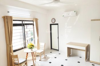 Cho thuê căn hộ cực đẹp đầy đủ nội thất, thang máy hiện đại gần KeangNam