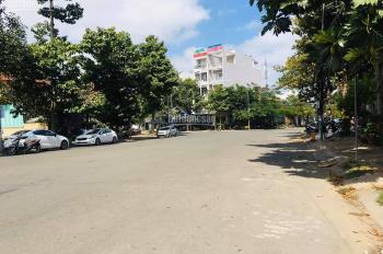 Kẹt tiền cần bán gấp nền biệt thự Hưng Phú DT 210m2. LH 0988652171